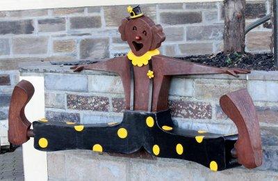 Gerry McMahon, Clown seat, ART LOGIC