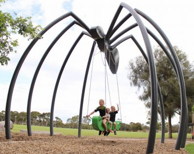 Gerry McMahon,  Giant Spider Swing, ART LOGIC